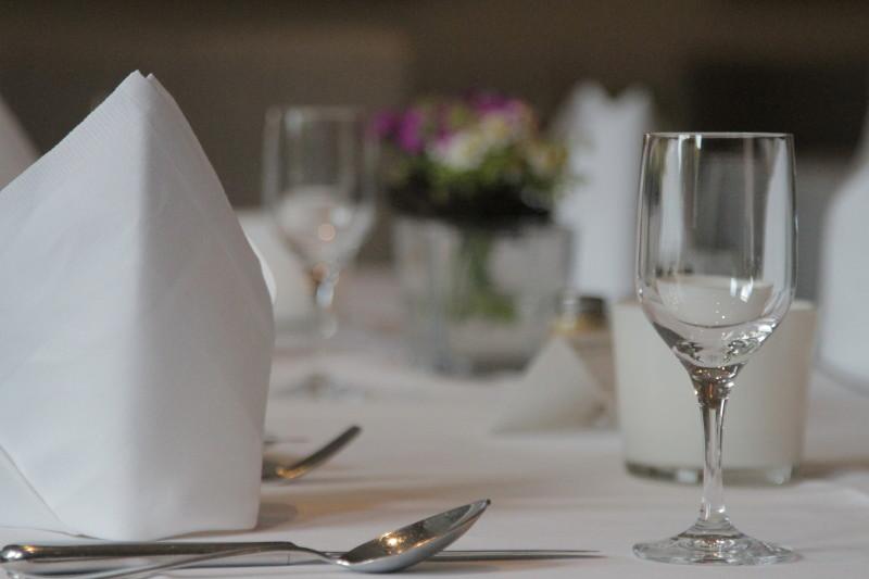 Gedeckter Tisch 800x533px | Gasthaus Restaurant Nobel Moordeich